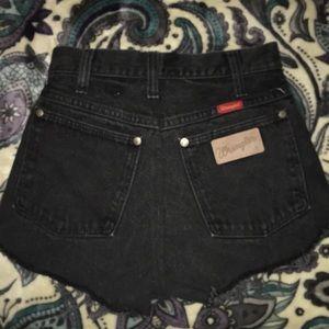 Wrangler Shorts - Black Wrangler Shorts